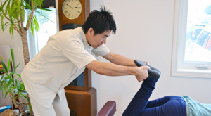 うらやま接骨院診療の流れ4 米沢市むち打ち・腰痛・手足のしびれ・関節の痛み・骨盤矯正・痛くない背骨の矯正オステオパシー・肩こり・頭痛