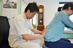 うらやま接骨院腰痛(オステオパシー治療)|米沢市むち打ち・腰痛・手足のしびれ・関節の痛み・骨盤矯正・痛くない背骨の矯正オステオパシー・肩こり・頭痛