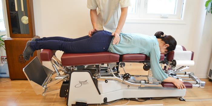 うらやま接骨院治療内容一覧|米沢市むち打ち・腰痛・手足のしびれ・関節の痛み・骨盤矯正・痛くない背骨の矯正オステオパシー・肩こり・頭痛