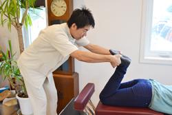 うらやま接骨院骨盤矯正の流れ1|米沢市むち打ち・腰痛・手足のしびれ・関節の痛み・骨盤矯正・痛くない背骨の矯正オステオパシー・肩こり・頭痛