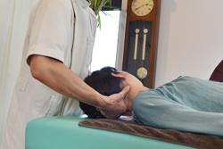うらやま接骨院首の痛み・肩の痛み・頭痛治療の流れ1|米沢市むち打ち・腰痛・手足のしびれ・関節の痛み・骨盤矯正・痛くない背骨の矯正オステオパシー・肩こり・頭痛
