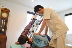 うらやま接骨院肩こり・頭痛(オステオパシー治療)|米沢市むち打ち・腰痛・手足のしびれ・関節の痛み・骨盤矯正・痛くない背骨の矯正オステオパシー・肩こり・頭痛