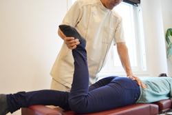 うらやま接骨院診療のスポーツでのケガの治療流れ1|米沢市むち打ち・腰痛・手足のしびれ・関節の痛み・骨盤矯正・痛くない背骨の矯正オステオパシー・肩こり・頭痛